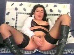 Dildos and blowjobs for this mature lady - Telsev