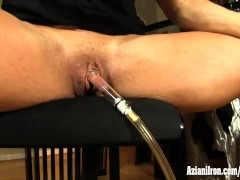 Aziani Iron buff chic pumps her clit