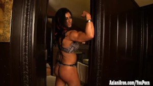 Elisa Ann female bodybuilder strips and masturbates