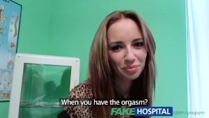 Putinha dando a boceta para o médico no hospital - http://novinhasporno.com.br