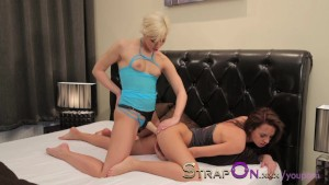 StrapOn Gina Devine and Tracy Lindsay making love with sex toy