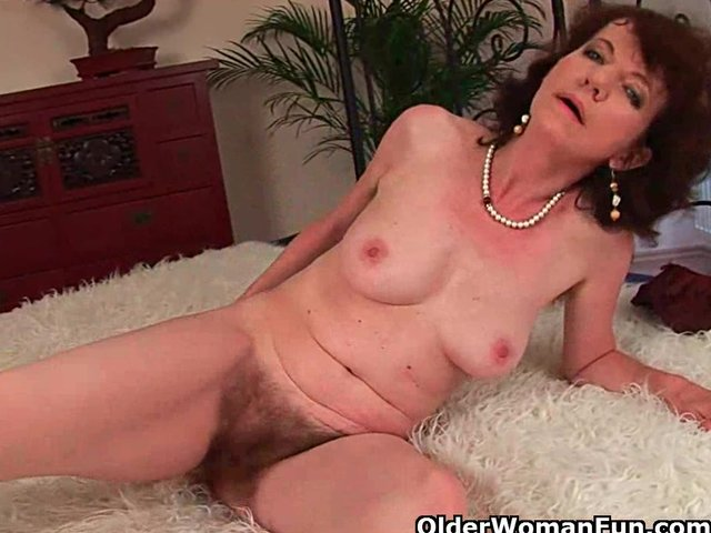 Moms sex hairy armpit ready