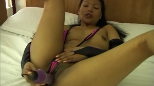 Hot Asian loves masturbating and fingering herself - Telsev