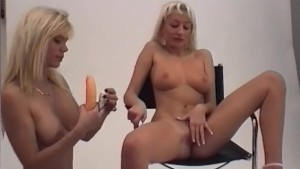 Two Horny Blondes Fuck Each Other - Telsev