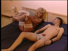 Milf Hitchhikes And Ge...