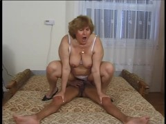 Chubby Mommy Wants To Fuck - Telsev