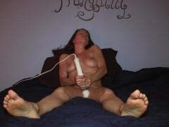 Amateur girl masturbat...