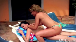 Hotgold Sexy Horny Poolside Lesbian Latinas