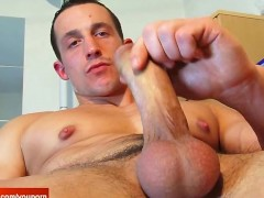 Full video: football player gets wanked his huge cock by a guy !