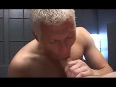 Picture Deepthroating and self facial - Factory Vide