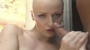 Pretty Model handjob Honey