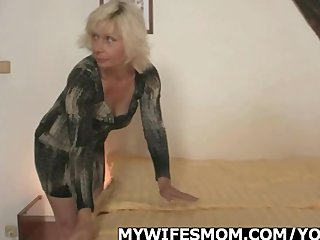 Granny Mother Scandal video: Blonde mother in law seduces me into sex