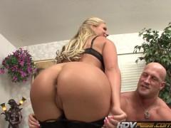 - HDVPass Blonde MILF Ph...