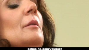 MILF lesbo action with Deauxma and Kristal Summers