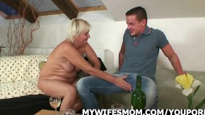 He finds his GF s mother naked and fucks her