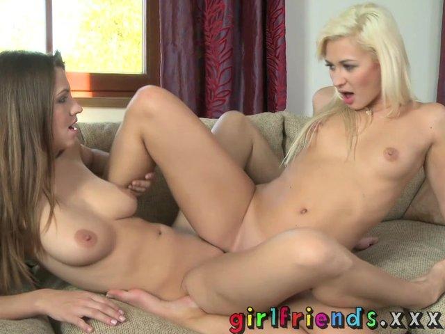 porno-video-lesbiyanki-v-magazine