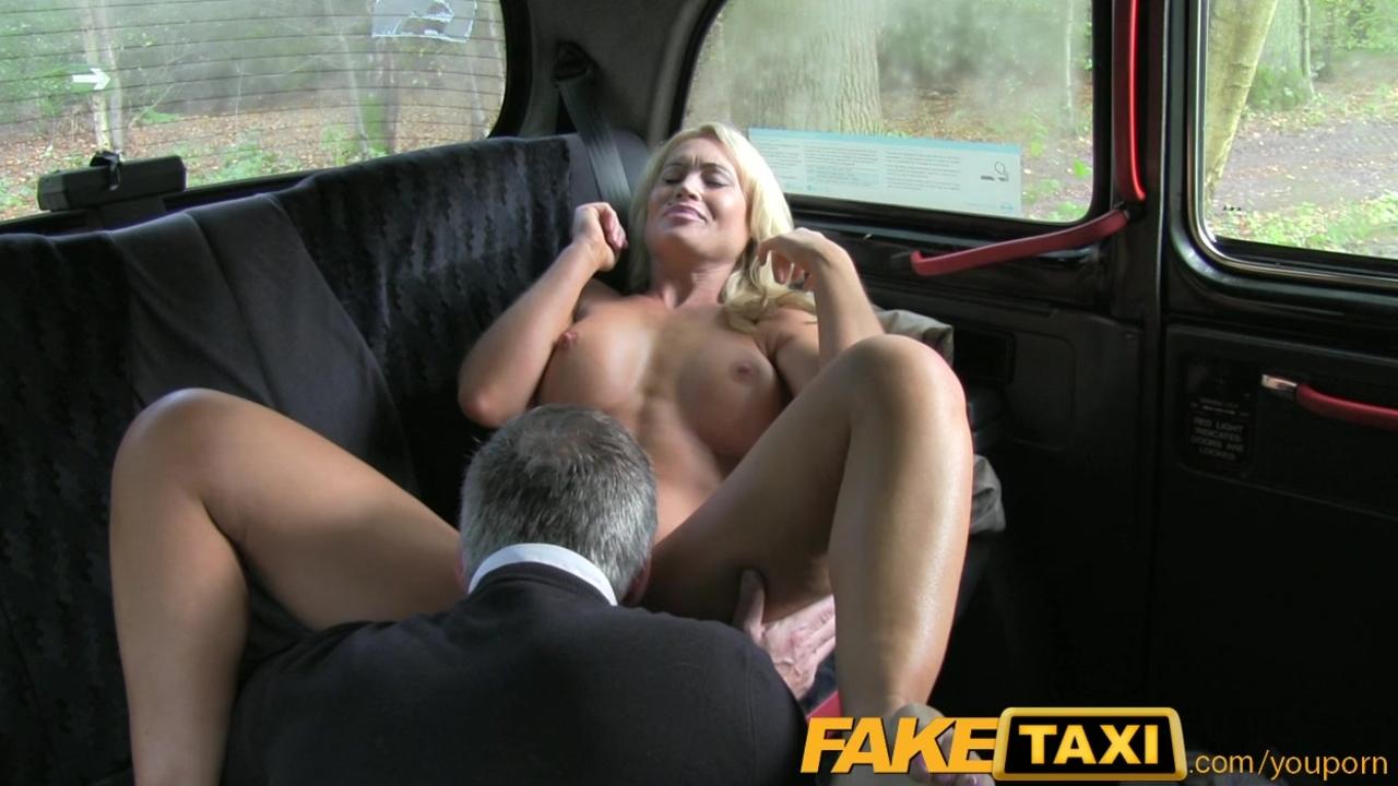 Секс порнуха пикап такси