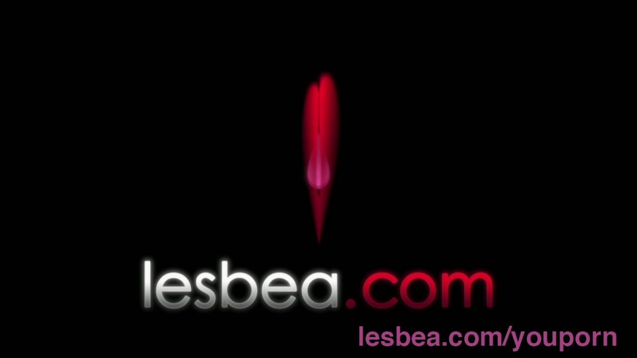 Lesbea Busty tongue sucking amateur finger fucked by slender lesbian
