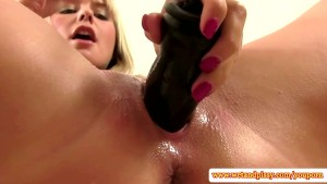 Peeing fetish blonde pumps pussy open