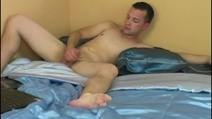 Amateur Straight Guy Chance Masturbating