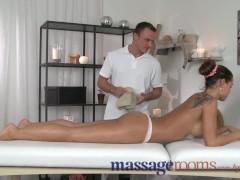 cul en chaleur grosse gros nibar gros nichons nana adore grosse queue profond: massage rooms horny big tits babe loves every inch of big c...