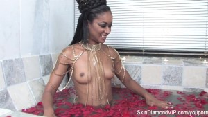 Skin Diamond Halloween BTS