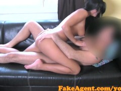Chaude Brunette Casting: Fakeagent hot brunette waitress wants to be fashion model in casting