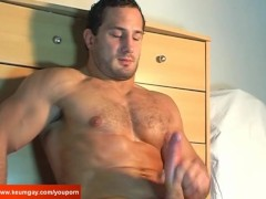 Str8 guy get wanked his enormous cock by a gay guy in spite of him