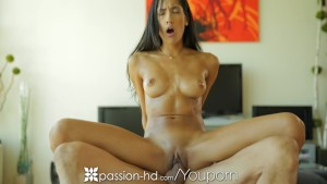 HD - Passion-HD Chloe Amour rubs her naked body on her man