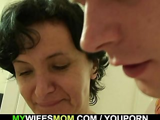 Granny Mother Scandal vid: Cockriding granny and son in law getting busted