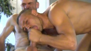 Top ! The repair guy get sucked by the home owner in spite of him !