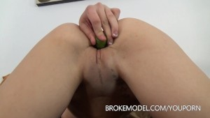 Milf Vivian Squirts and gets creampie d
