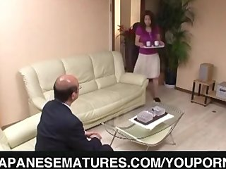 Porno video: Cock sucking milf opens her legs