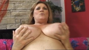 Mature BBW Deedra Rae's pussy and mouth engulf a guy's cock