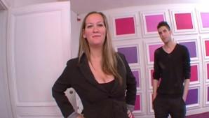 Orgasme intense pour une salope a gros seins ! French amateur
