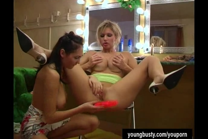 Young busty Jennifer gets slit