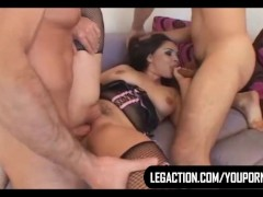 Picture Sandra Soto Gets Double Teamed