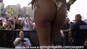 bikini booty shake contest
