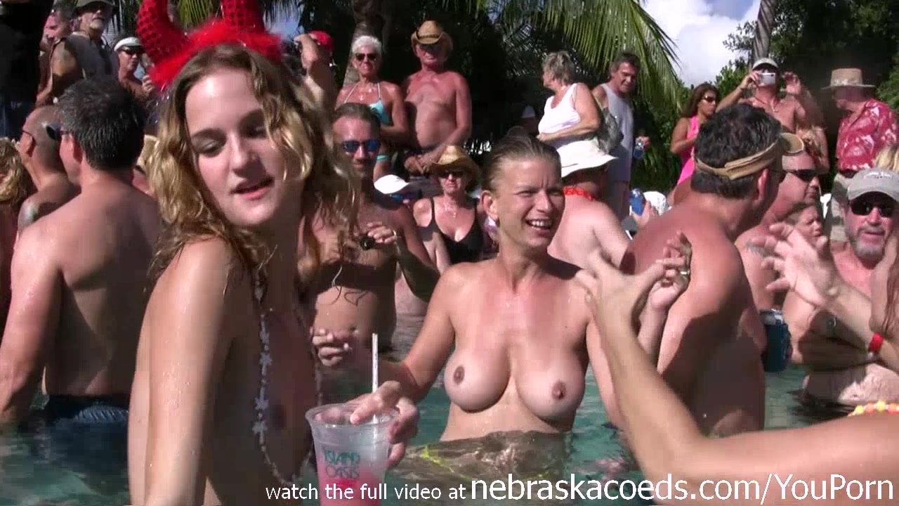 bluetube xxx videos Party girls