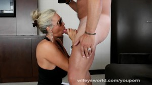 Wifey Swallows Cum As Vegas Call Girl