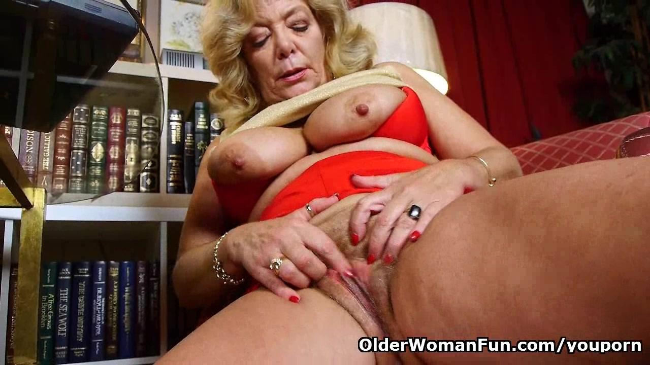 Grandma's soaked pussy ne