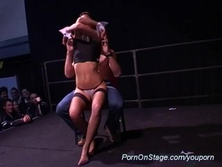 Stripping Live Stage vid: lapdance on public show stage