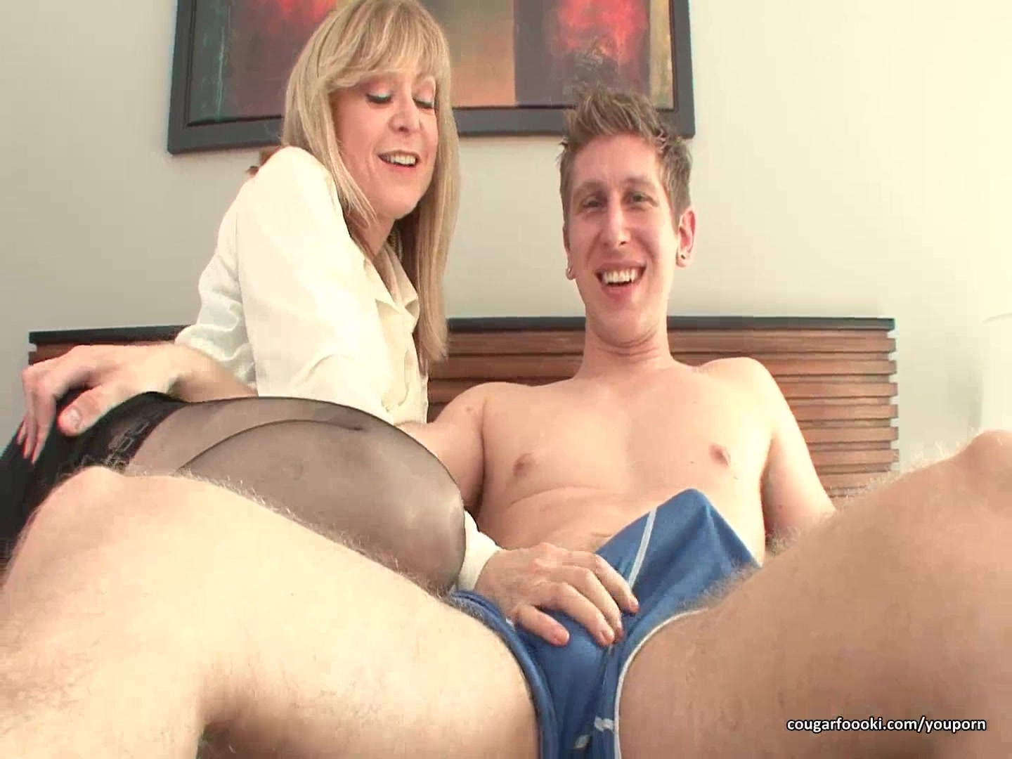 Blonde mom gets naughty with h