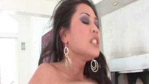 Superb Latina knows how to please a guy