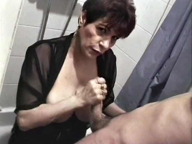French cougar who loves sex -