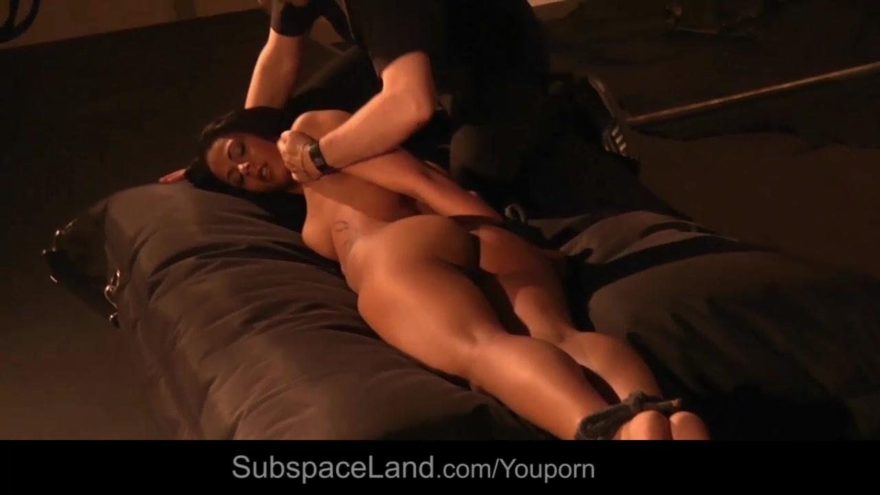 Isabella orgasmed by her Maste