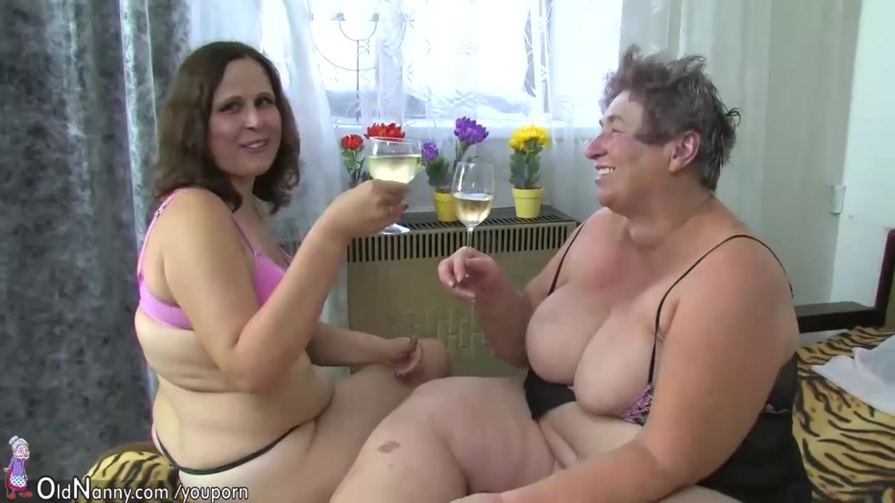 Two fat lesbian, four matures