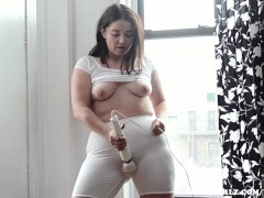 A Hot Mormon MILF Masturbates with Hitachi