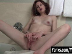 Redhead Vixxxen Playing With Her Clit In Bath Tube