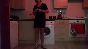 Sneezing Ian's Sneezing and Flip Flops Fetish Video (14)